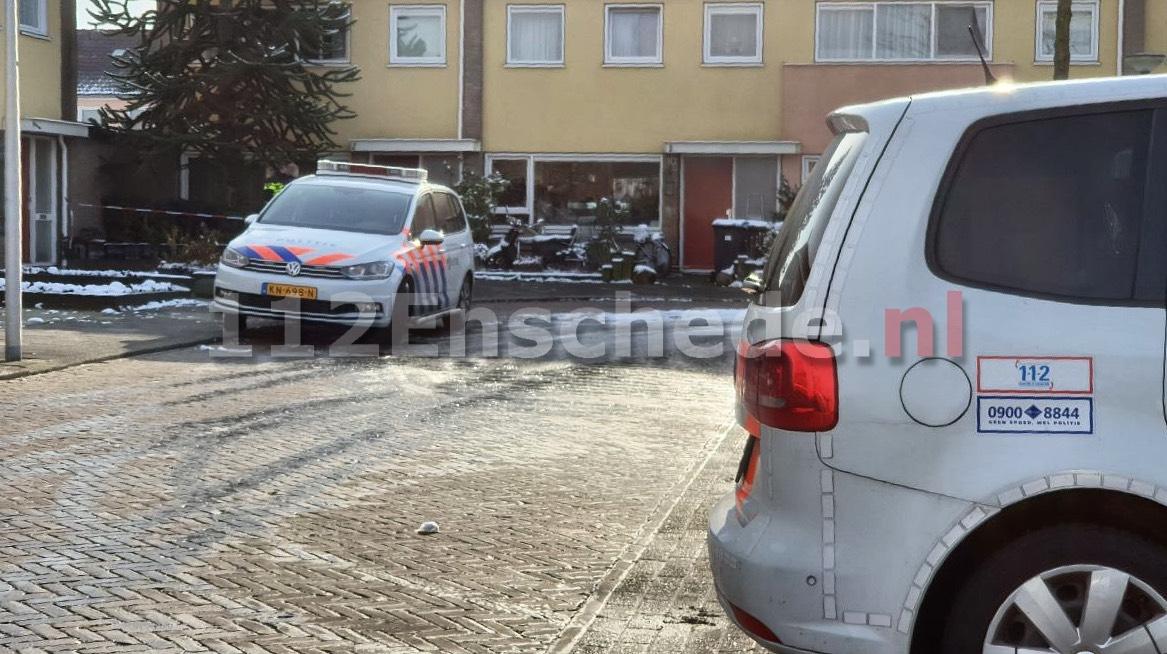 UPDATE: Twee doden in woning Enschede; misdrijf uitgesloten